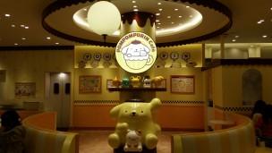 ポムポムプリンカフェの店内