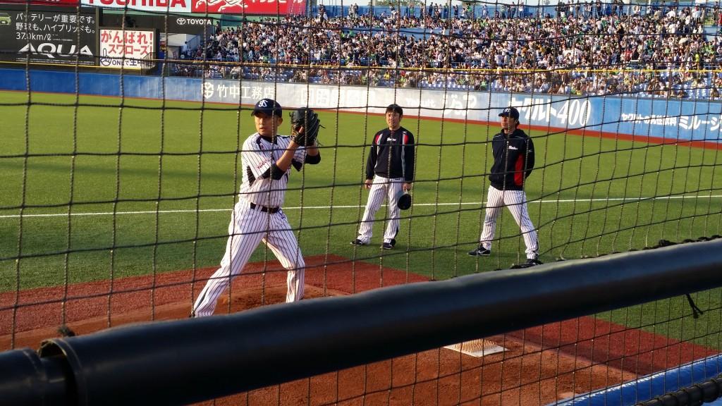 石川選手と高津投手コーチ