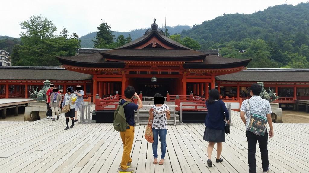 厳島神社を接写