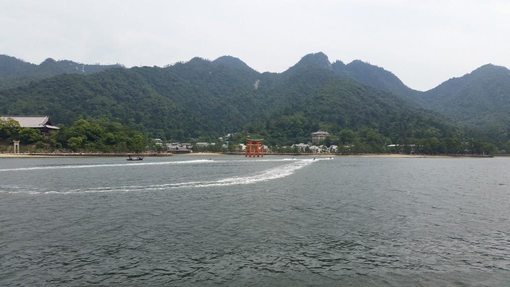 宮島でジェットスキー
