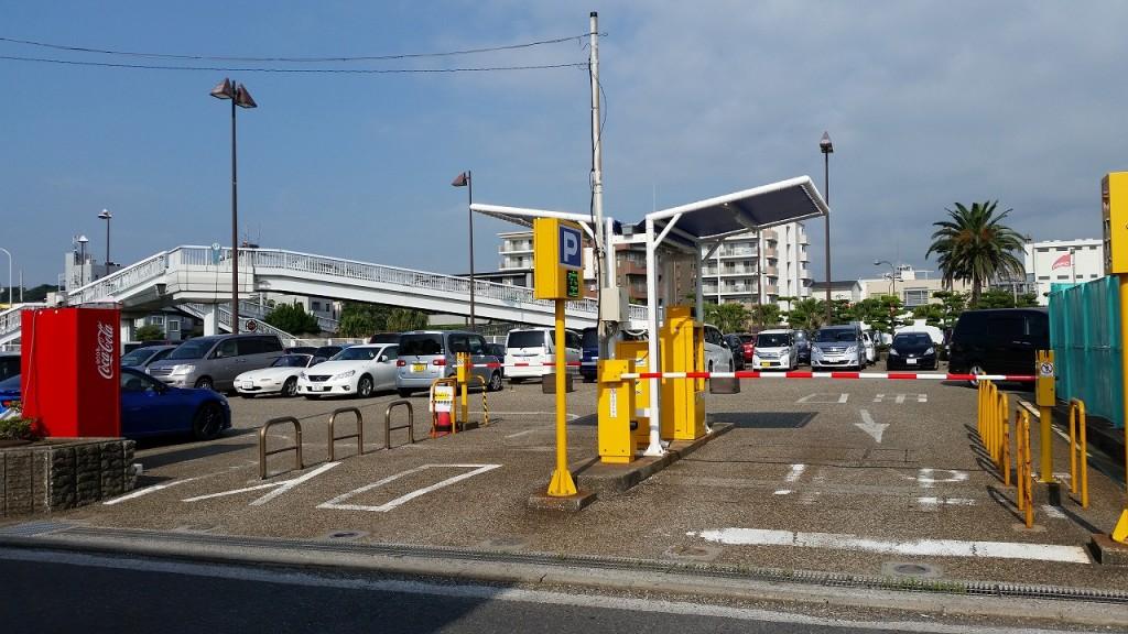 海辺つり公園の駐車場