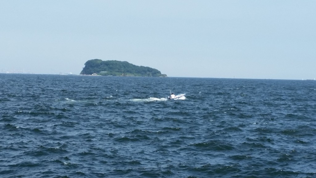 海辺つり公園では船も出る