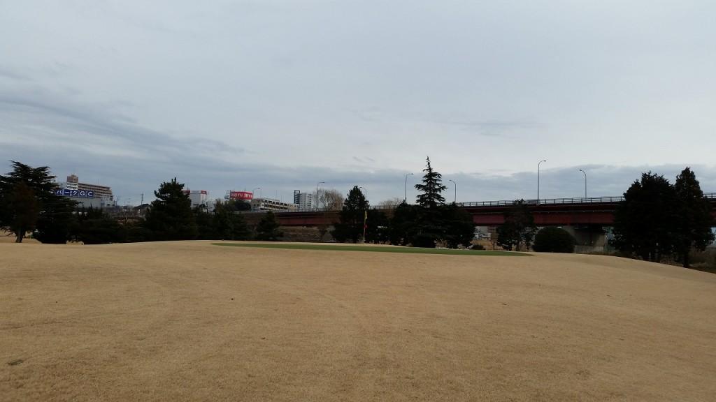 利根パークゴルフ場は河川敷