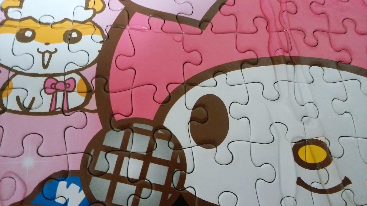 サンリオパズルを作る6日目糊付け