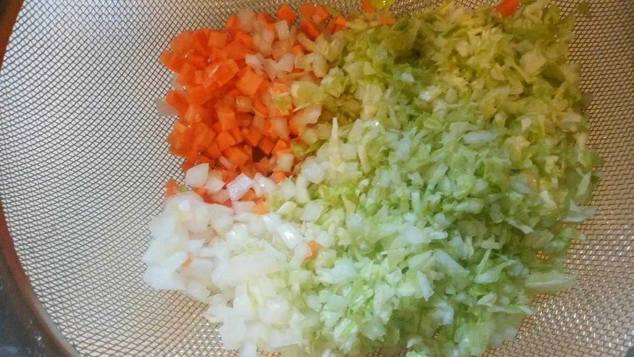 赤ちゃんのお好み焼きの野菜はみじん切り
