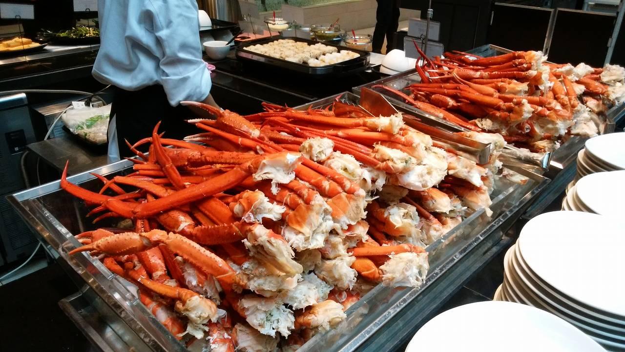 ホテルビュッフェハプナの紅ズワイ蟹食べ放題