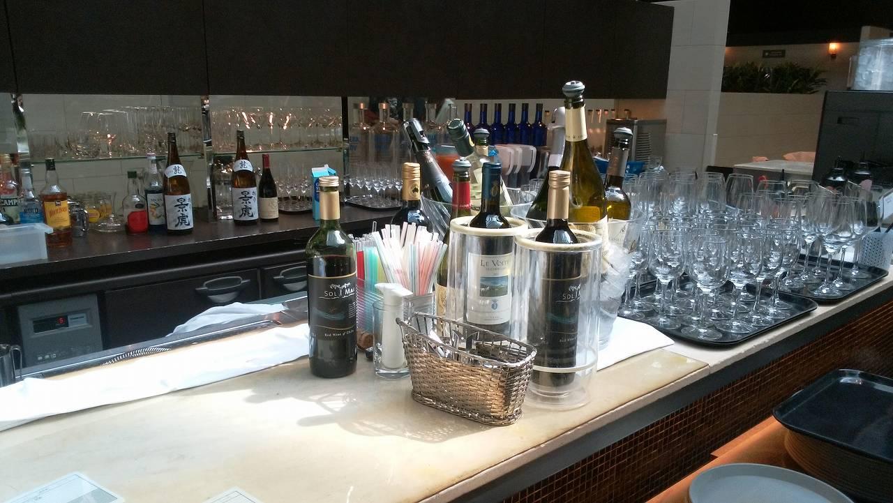 品川プリンスホテルランチバイキングハプナのアルコールバー