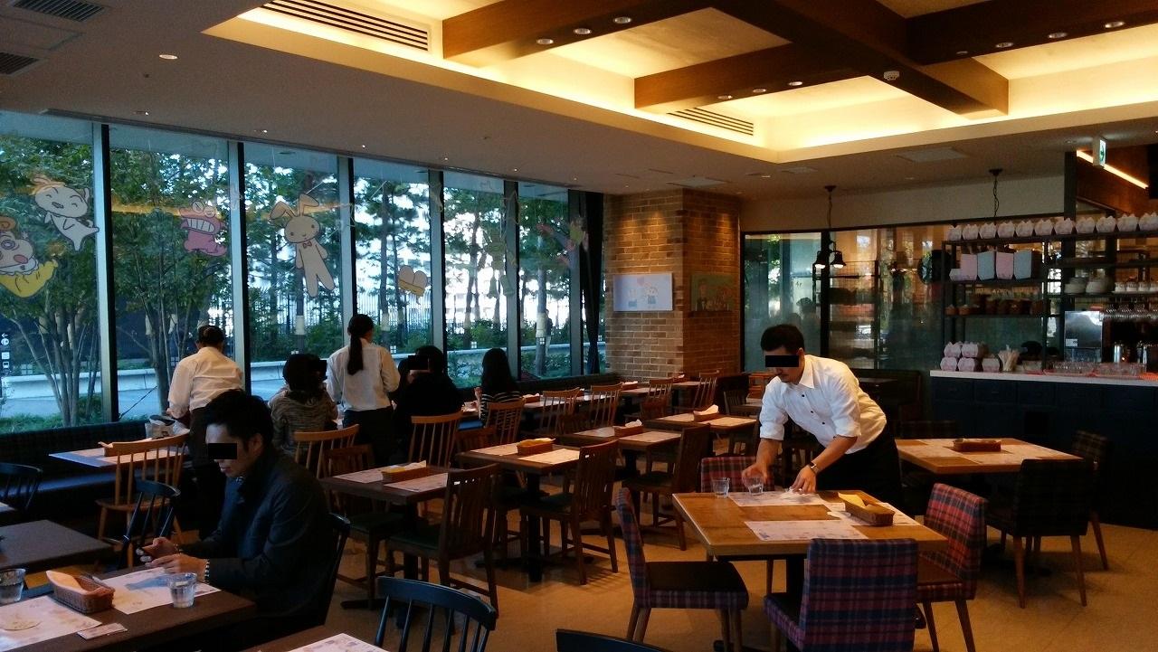 クレヨンしんちゃんレストランの店内1