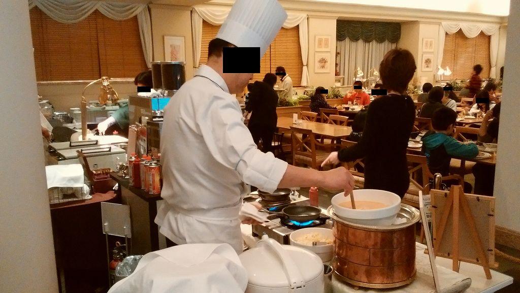 ホテルオークラ東京ベイ「テラス」の手作りオムレツ