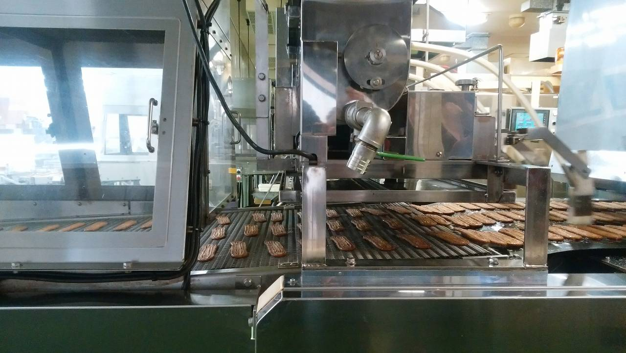 うなぎパイの乾燥工程
