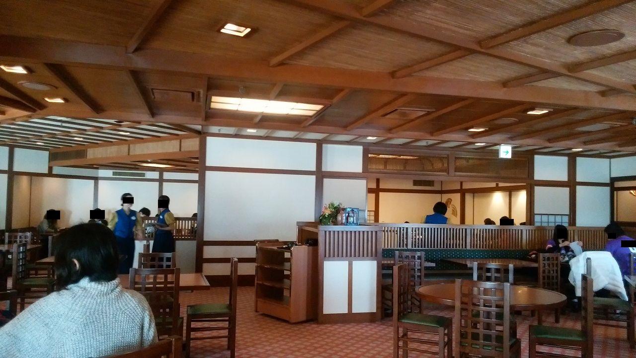 ディズニーランド和食レストランの店内1