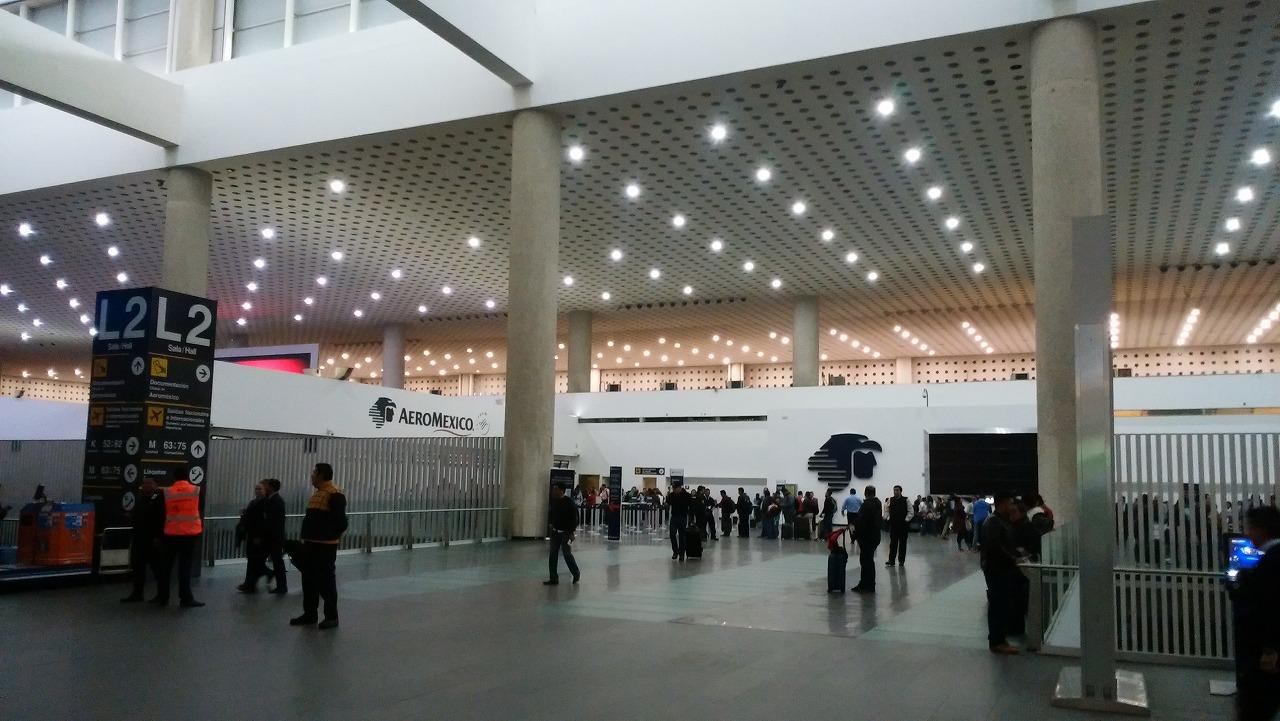 メキシコシティ国際空港のターミナル2のアエロメヒコ