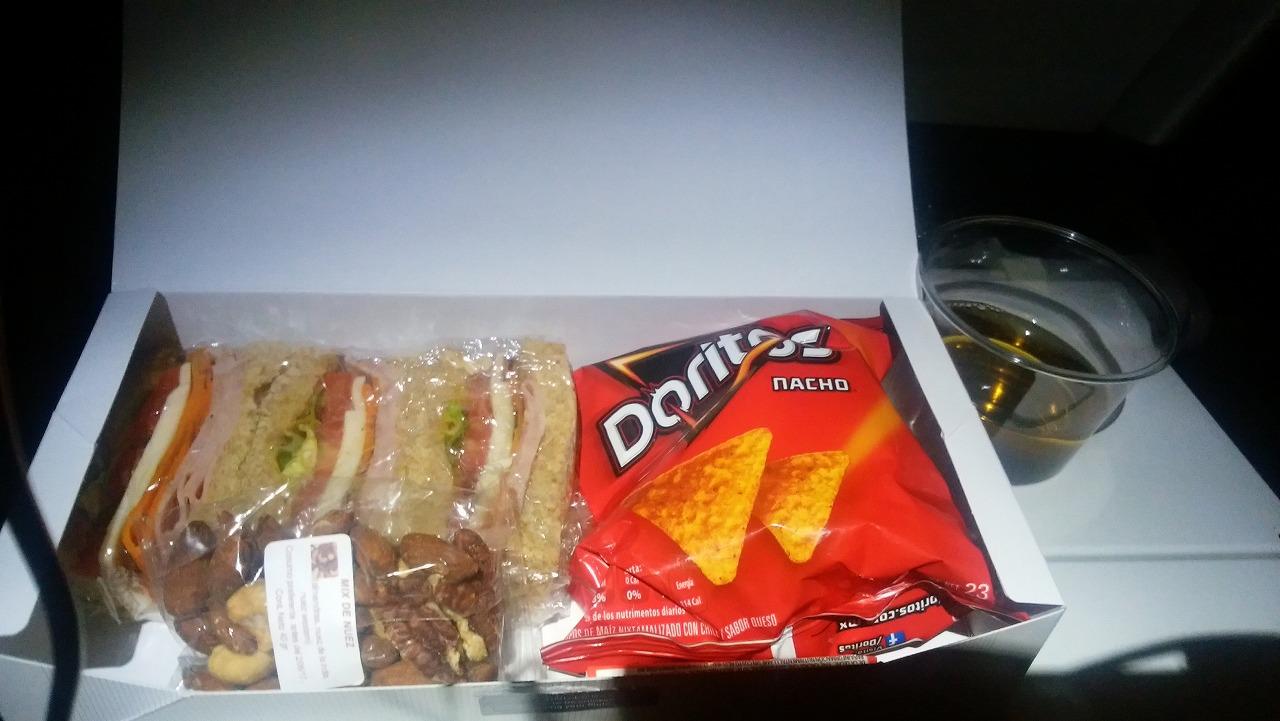 ANAメキシコシティー便の軽食サンドイッチ