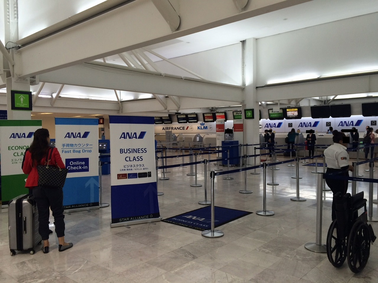 メキシコシティ国際空港のANAチェックインカウンター