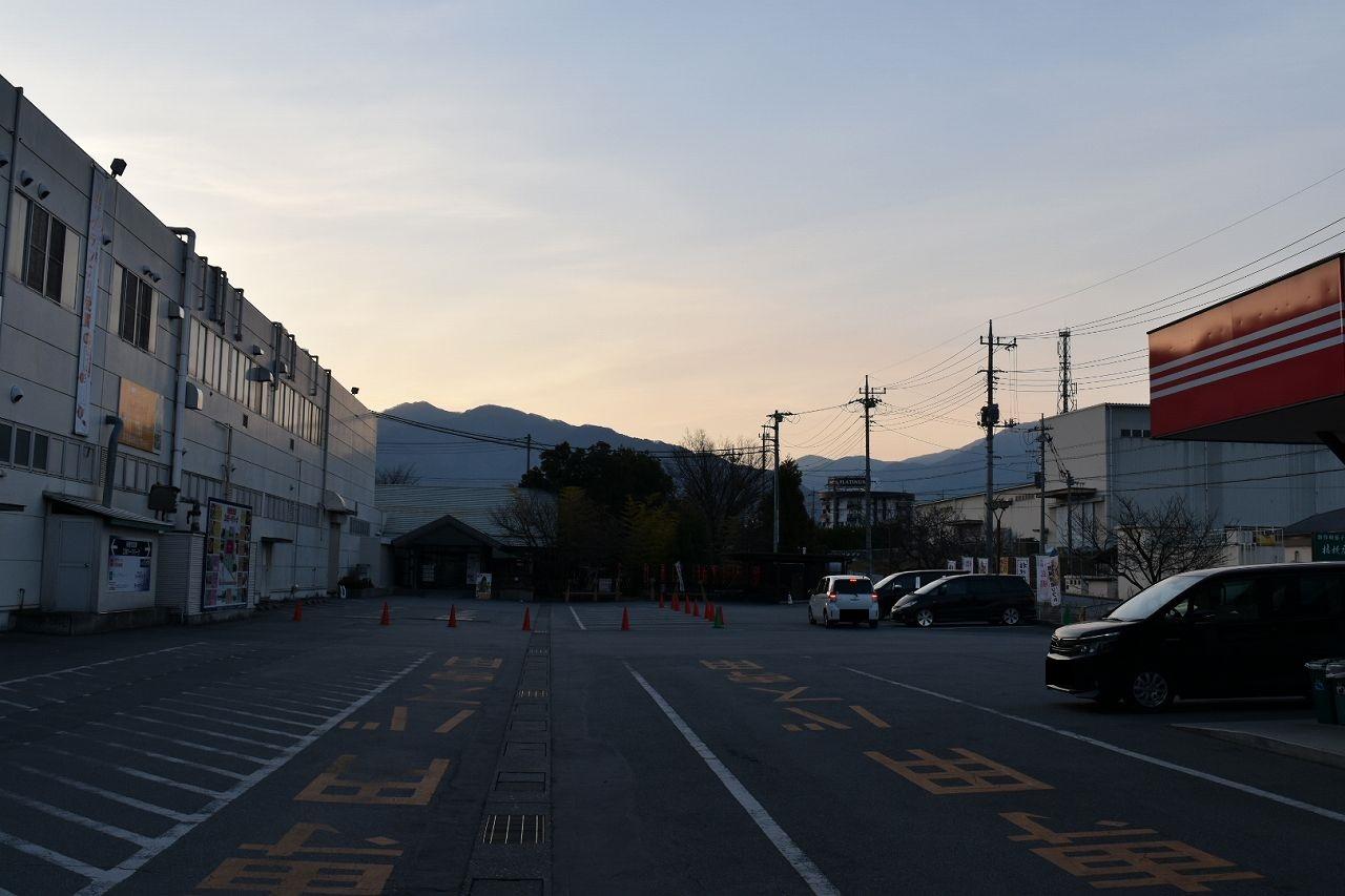 桔梗屋の駐車場