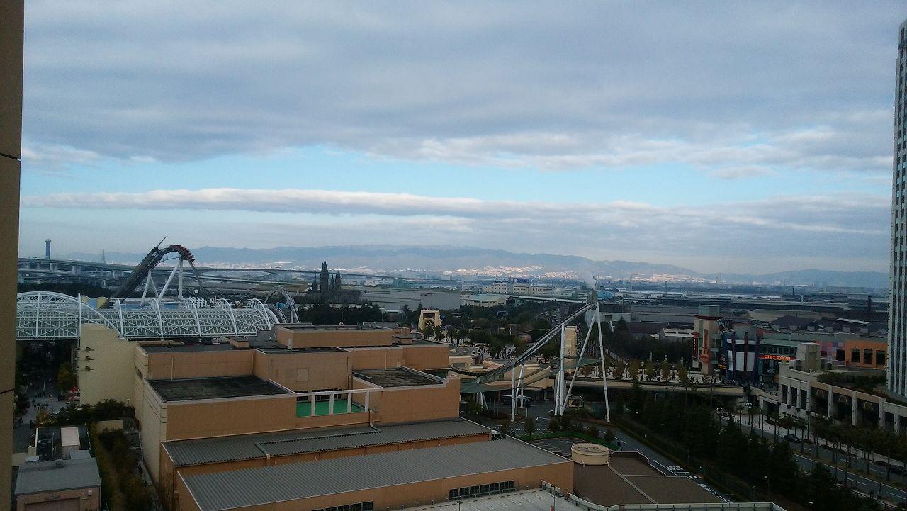 wakuwakuワンダールームから見える朝のUSJ