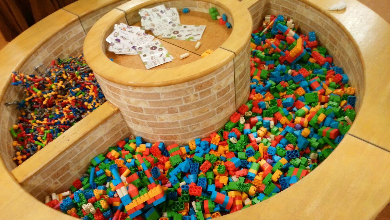 ボーネルンドのブロック知育玩具