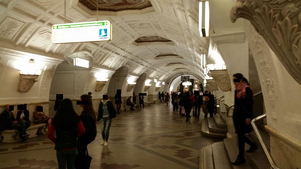 ロシアの地下鉄は芸術的