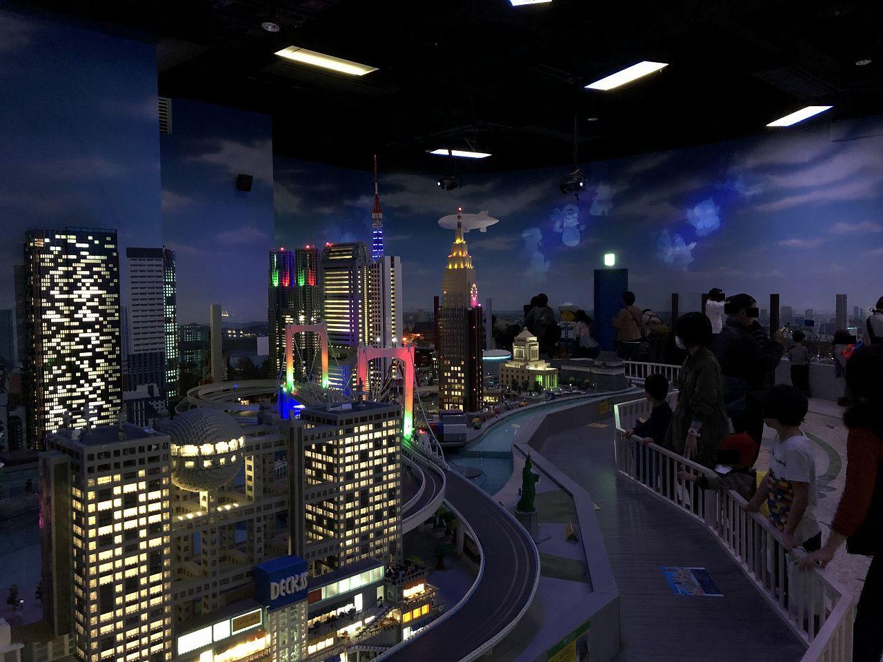 レゴで作られた夜景