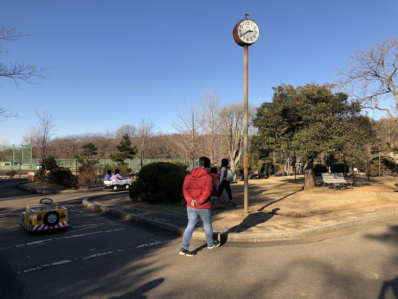 鎌ヶ谷の公園のバッテリーカー