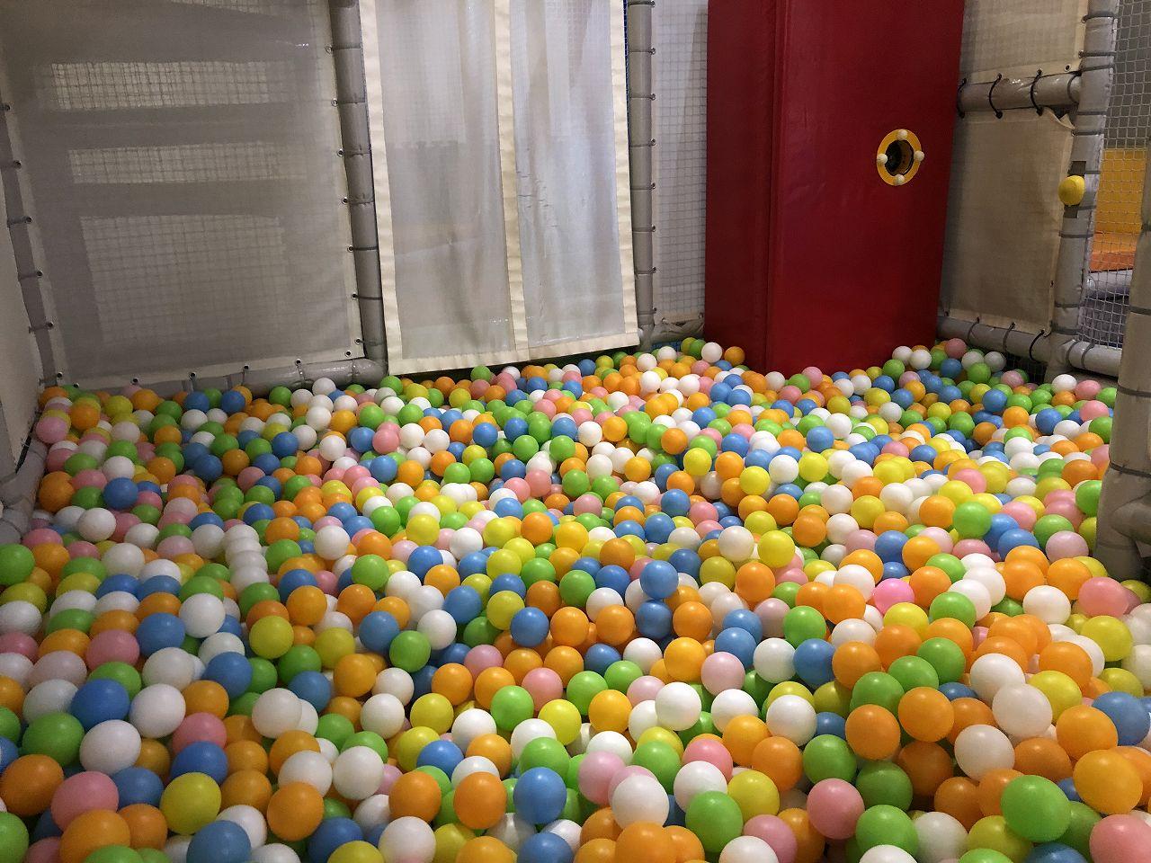 トンデミのボールプール