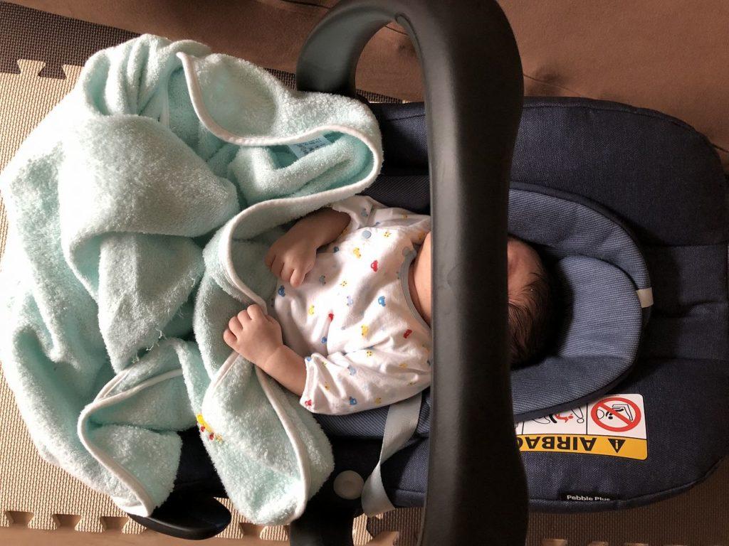 赤ちゃんにフィットするぺブルプラス